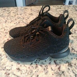 Nike LeBron James youth 2y